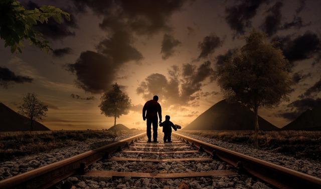 https://pixabay.com/nl/vader-en-zoon-wandelen-liefde-kind-2258681/